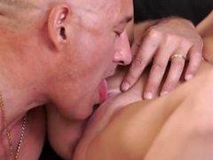 Daddy игра и старик втроем две девушки роговой блондинка