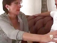 Cuckolds fru sliter yngre kranen