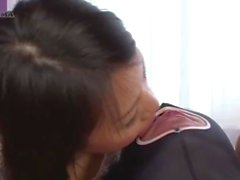 maskeli adam yalamak ve onu öpmek kız harem vardır