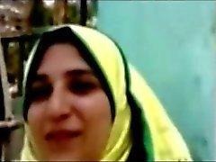 hijap Könige saugt drei