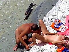 Вуайеристы на общественное пляжного сексе