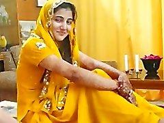 Hot i Pakistan flicka prata om muslimer Paki sexkameror i Hindus