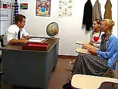 De tante Montre Comme enseignant Fucks de Pigtailed Cheveux roux de l'étudiante