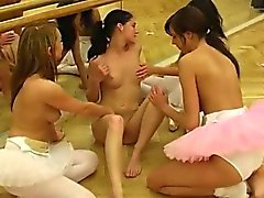 pissing lesbiennes - 6 Hot ballet dame orgie