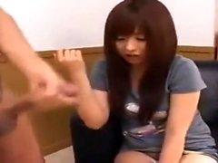 Asian Amateur Antaa Kaikkein Sensual Handjob