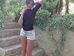 Bel brunette che Francia Amel Annogas della meditazione del sesso