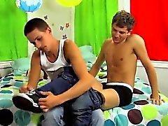 Amazing twinks Camden Christianson is hitchhiking in the des