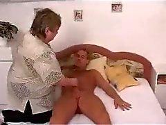Sexy Belle e affascinanti maturo Granny scopare su B