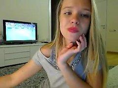 amateur andreea 93 fingering herself on live webcam