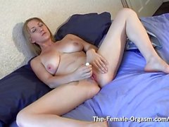 Blonde Femorg Babe Gets Wet Spot Before Real Orgasm Contractions