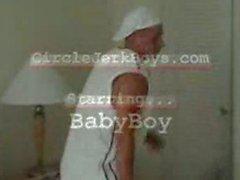BabyBoy сравнится свою плоть