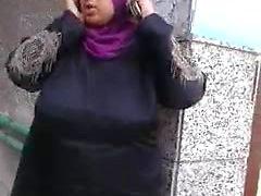 t3a9ob labwa Masria bchera3 m a7la jism baladi malyen