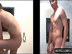 Glory Hole anal sex mit nacktem guy