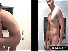 Gloryhole anaaliseksiä alasti kaveri