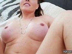 Günahkar içinde Milf oral seks yutmak hd Krissy Lynn