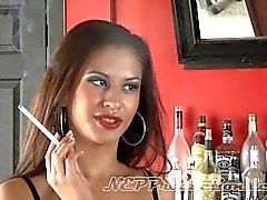 Ariana Fox - Fetiche de fumar em Dragginladies