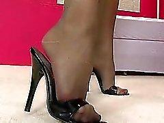 Bambino splendida, con bella gambe presentano