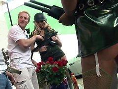 Onnea keikari saada puhalletut kuumaa armeijassa tyttöjen