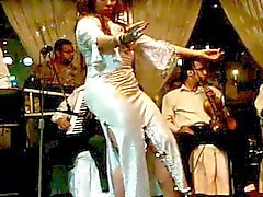 De Joana Saahirah belly dancer gros cul à Nile Maxim 2,015