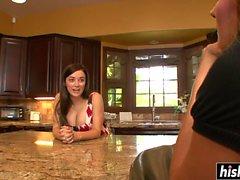 Muhteşem kızlar mutfakta eğlenir