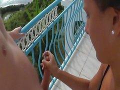 På balkongen med semester