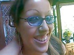 Mavi gözlük sürtük