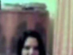 Ragazza amatoriale si masturba in webcam