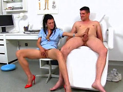 Hot milf handjob and cumshot