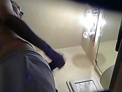 Interferito mio ragazzo etero si masturbano nella toilette