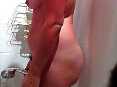 Скрытый веб-камера сексуальная грудастый любительские Зрелые принятия душа Часть1