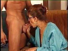 FRANSKA MOGNA N39 Redhead mamma med en ung man