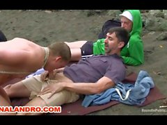 Extérieure Gays de BD esclavage des Esclaves sur la plage de