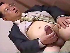Japans Vater haben großen Hahn gewichst