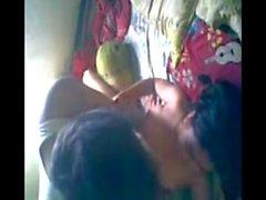 La douleur de la fille de l'école d'Indien pleine rapports sexuels avec son ami d' l'école le adultstube