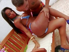 Shemale Andressa engages in outdoor sex