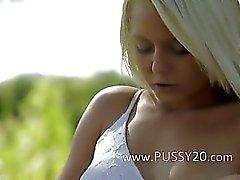 Sweden dokunaklı klitoris sarışın güzellik ürünleri