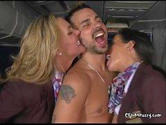 Azafatas sexy follan en el avión para complacer a su mejor custovTanyaTate02.wm