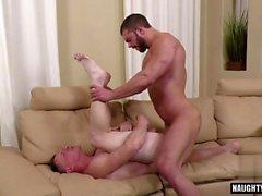 Big dick gay anaali seksi creampie kanssa