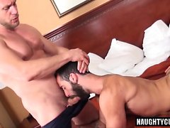 Hairy Threesome orso e Creampie
