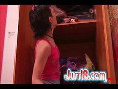 Рене трахает ее игрушки