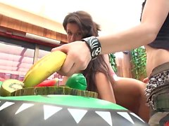 När spanska flickor går bananer de tar det ganska
