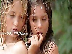 hongerig meisjes in de regen