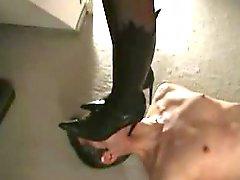 Carolina terrorizes using her feet
