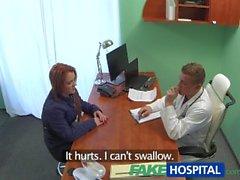 FakeHospital Tohtori hoitelee potilaaseen takaapäin