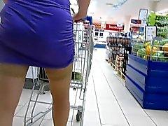 Sukkahousut upskirt supermarket