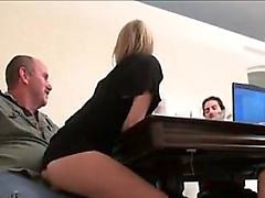 Daddy Does His Meeting - Meet her on cas-affair