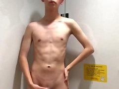 Aasian Teen masturboida julkisen WC