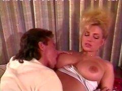 Tami Белая Bionca нефрит Восточная выполнен в классическом порно сцене