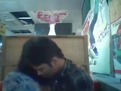 BF bangladais & GF au restaurant 1 complet sur hotcamgirls. dans