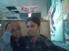 Bangladeshi BF & GF nel ristorante 1 pieno su hotcamgirls. nel
